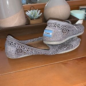 Gray Lace Toms